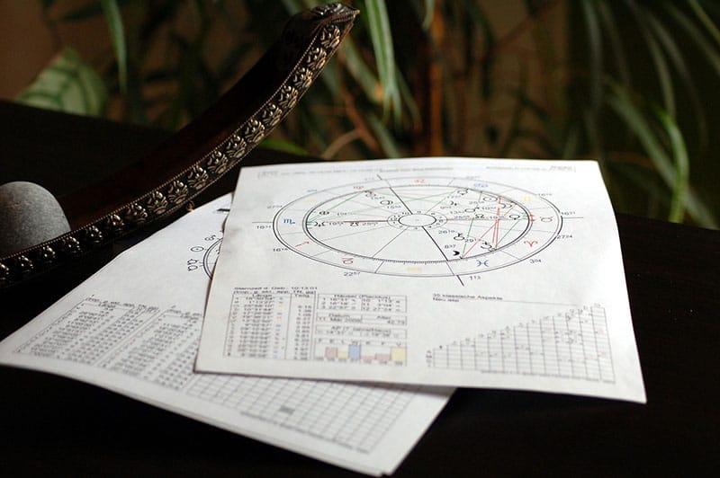 ¿Qué es y para qué sirve la astrología?